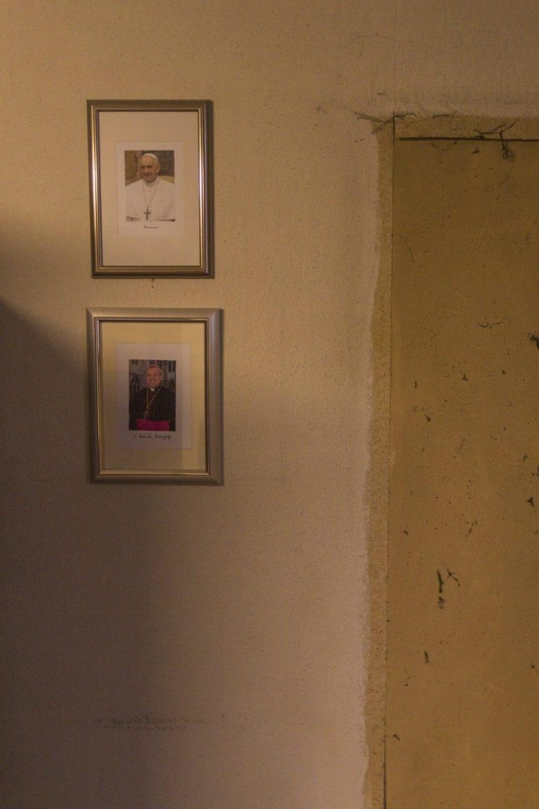 The village Borschemich had to be relocated and demolished for the lignite mine Garzweiler 2 until 2017.  Since 2006 I document the demolition of the villages affected by Garzweiler. Further information on this topic I put together on www.garzweiler.com.  Das Dorf Borschemich musste für den Braunkohletagebau Garzweiler 2 bis 2017 umgesiedelt und abgerissen werden.   Seit 2006 dokumentiere ich den Abbruch der von Garzweiler betroffenen Ortschaften. Weitere Informationen zu diesem Thema habe ich auf www.garzweiler.com zusammen gestellt.  Foto: Arne Müseler www.garzweiler.com www.arne-mueseler.com hallo@arne-mueseler.com
